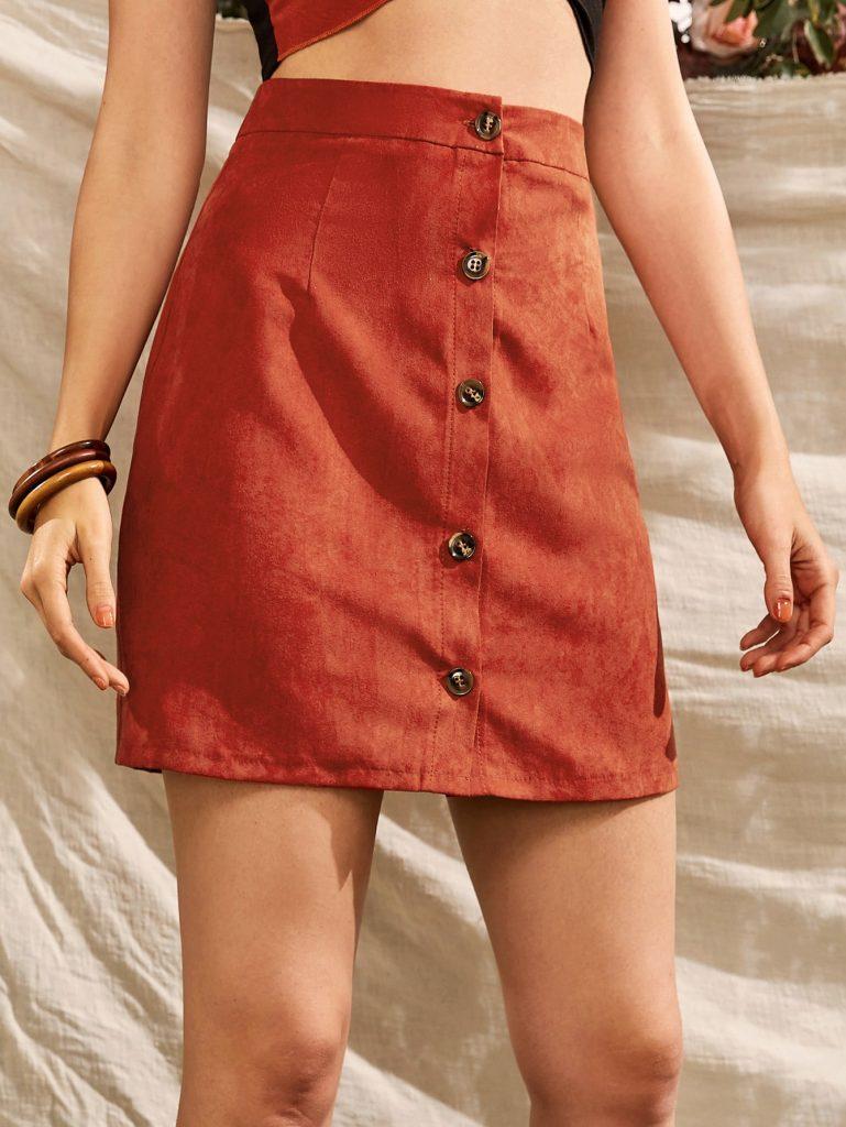 rok gaya korea warna oranye bahan velpet atau beludru dengan kancing depan