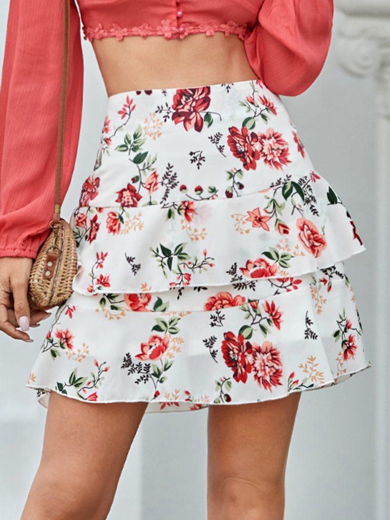 Rok Mini Warna Putih Gambar Bunga Dengan Layer Tumpuk